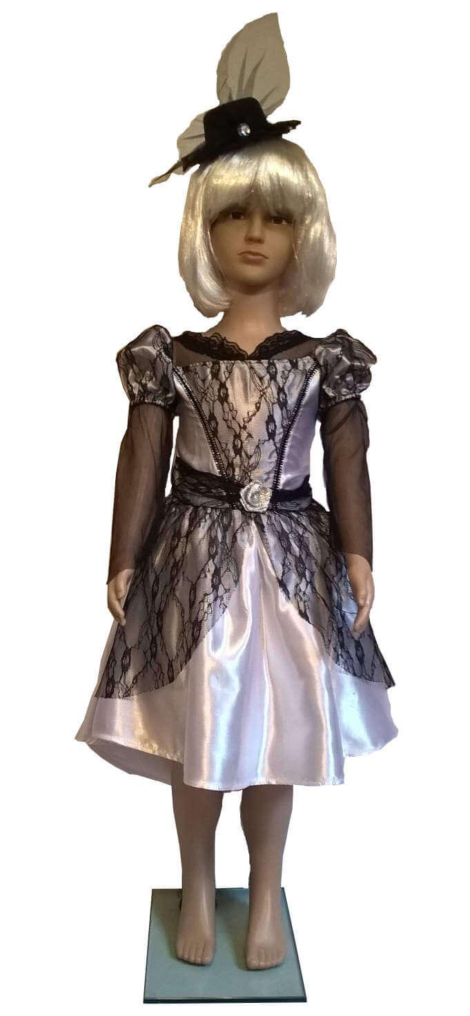 Retro stiliaus suknelė.